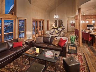 Falconhead Lodge - North - 5BR Magnificent Home!, Steamboat Springs