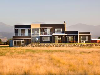 Appleby House - Holiday Home sleeps 6 - 8, Tasman