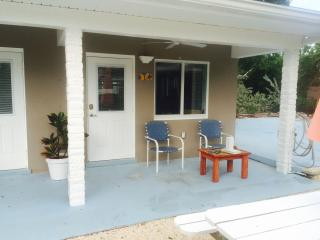 Small efficiency located 50 yards from Ocean, 8c, Marathon