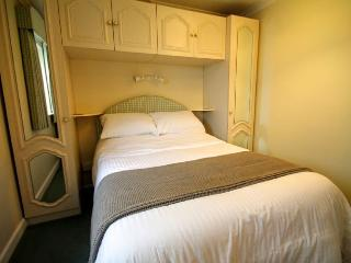 Little Fern, Lynton - Apartment in Lynton, easy walking distance to shops, restaurants; sleeps 2