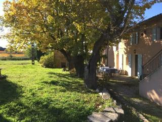 Holiday rental French farmhouses / Country houses Venelles (Bouches-du-Rhône), 250 m², 2 990 €