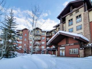 Family-friendly ski-in/out condo w/ pool & hot tub access!, Granby