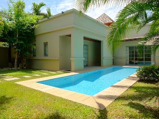 Tropical Bangtao Beach Villa, Cherngtalay