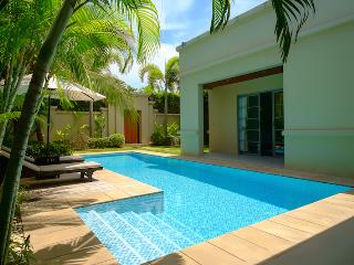 Tropical Bangtao Beach Villa