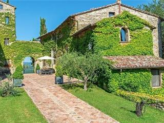 3 bedroom Apartment in Umbertide, Tuscany, CORTONA, Italy : ref 2372887
