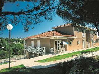 41775-Apartment Carnoux, Carnoux-en-Provence