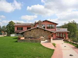 5 bedroom Villa in Gubbio, Umbria, Gubbio, Italy : ref 2373270