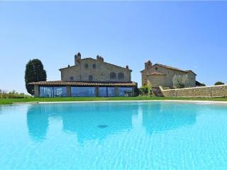 4 bedroom Villa in Arezzo, Tuscany, Arezzo, Italy : ref 2374501