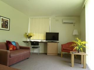 Deluxe 1 Bedroom Apartment Double, Melbourne