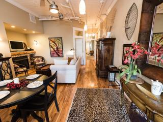 10 % Off Jan 5-8 Downtown Luxury Asheville Condo - 2 BR/2 BA - Heart of Downtown
