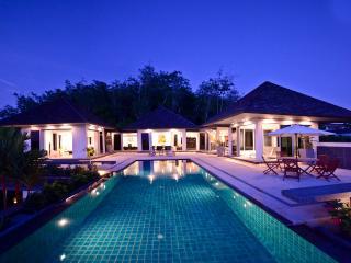 Luxury sea-view villa, 4-br U-shape. Layan