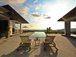 Luxury sea-view villa, 4-br U-shape. Layan, Cherngtalay