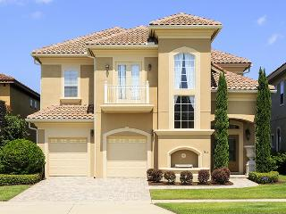5 Bed Elegant Reunion Pool Home 6 Miles to Disney, Kissimmee
