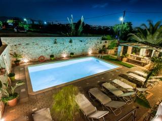 Massive 300 qm Villa, Belegung bis zu 20guests, Kalathas