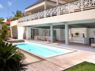 Spacious 8 Bedroom Villa in the heart of Gustavia