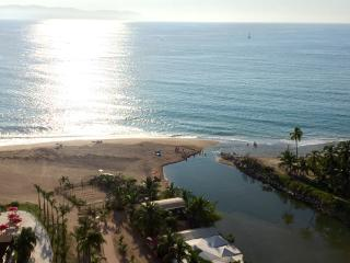 Beachfront upscale getaway in PV, Puerto Vallarta