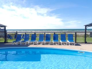 U6-Bayfront Beach Resort-Waterfront-Heated Pool, Wasaga Beach