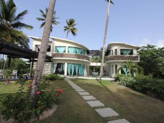 A beautiful modern villa in front of beach, Las Terrenas