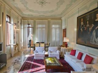Extravagance in Venice + Butler
