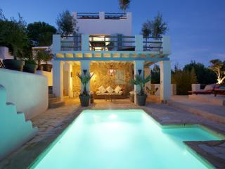4 bedroom villa (all en suite) at Cala Carbo, Sant Josep de Sa Talaia