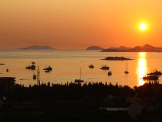 Penthouse 3-bedroom apartment with panorama view, Cavtat