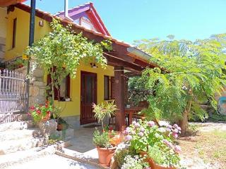 02901 Lovely and cheerful apartment, Krk