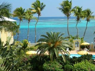 Tropical Paradise. Direct Beach Access. St. Croix December Special 150 per night, Christiansted