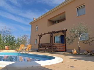 07705 Beautiful apartment with pool, Pinezici