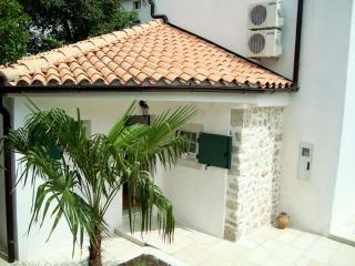 08201 Rustic villa in Krk