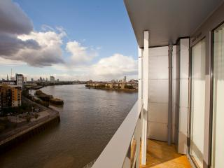 PlanetDatcha Serviced Apartments 2 & 3 Bedrooms, London
