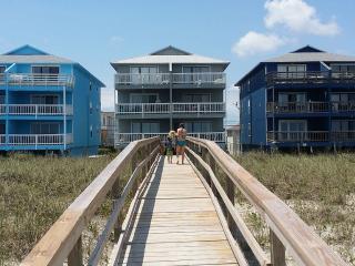 2 Bedroom, 2 Bath Oceanfront Condo with pool