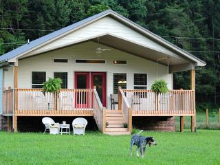 Relaxing Creek Front On 20 Beautiful Acres, Sevierville