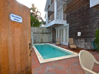 Du Pont House- Luxury Rental - Private Pool - 1/2 Block To Duval St., Key West