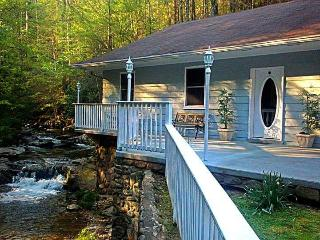 Gervinwold Creekside Cottage, Gatlinburg
