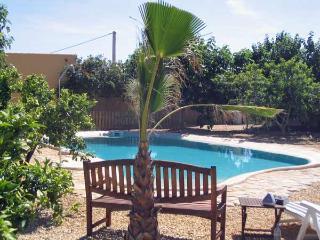 Finca Arboleda idyllic 1 bedroom garden apartment, Vera