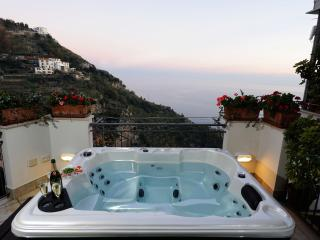 La Quiete with sea view and outdoor jacuzzy, Fiordo di Furore
