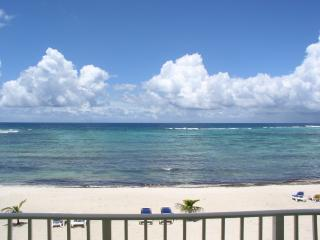 Beautiful, Tranquil 1 bedroom Oceanfront Condo