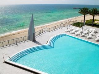 BEST IN SUNNY ISLES - BEACHFRONT 36TH FLOOR, Sunny Isles Beach