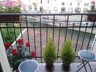 Navigli - Charming flat on the Naviglio Grande