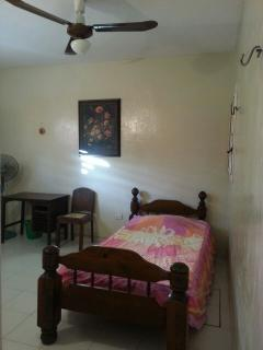 third room, 1 twin bed