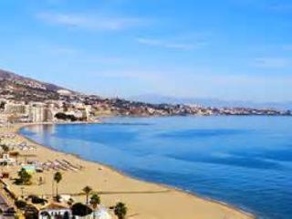 Fuengirola, Carvajal, Front line beach apartment