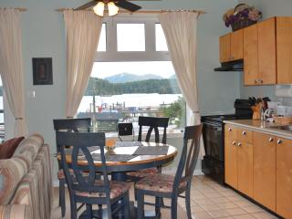 Cozy Top Floor Water Front Condo Downtown Tofino
