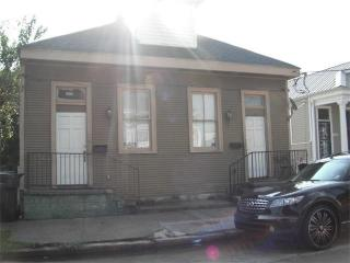 Whole Shotgun Style Duplex Near The French Quarter, New Orleans