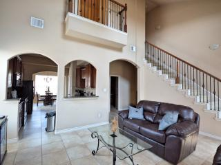 3 Bed 3 Bath Townhome off 121, The Colony