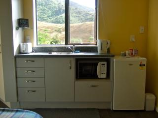 REMEMBER THEN @ Kauri Lane Sunny Double Room for 2, Huntly