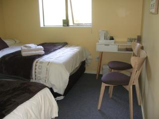 REMEMBER THEN @Kauri Lane Double+Single Room for 3, Huntly