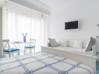 The three apartments in Chiaia Wi-fi, Neapel