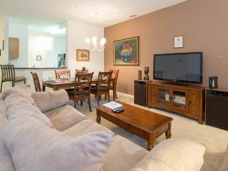 OAKWATER (7522BW) - SPACIOUS 3BR 2.5BA townhome, gated Resort, close Disney, Kissimmee
