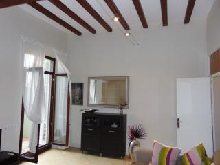 House for 12 people located 150m from the beach., Calella