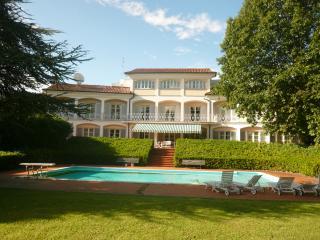 Villa bei Lucca mit Park und privatem Pool